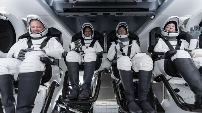 اسپیس ایکس کا خلائی جہاز پہلی بار عام شہریوں کو لے کر خلا میں جائے گا