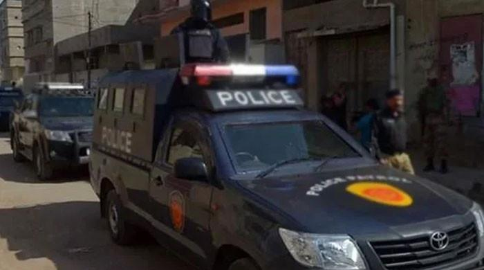 کراچی: منشیات بیچتے ہوئے گرفتار ہونیوالے پولیس اہلکاروں کے انکشافات