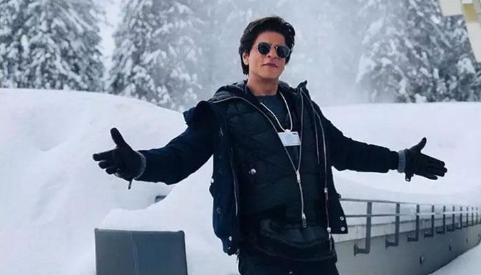 بھارتی میڈیا رپورٹس کے مطابق شاہ رخ خان کا نام لغت میں 10 ہزار الفاظ میں شامل کیا گیا ہے: فائل فوٹو