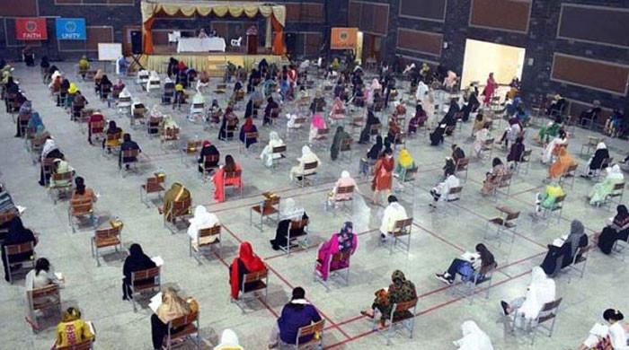 سندھ میں جونیئر اسکول ٹیچرز کی بھرتی: ایک فیصد امیدوار بھی ٹیسٹ پاس نہ کرسکے