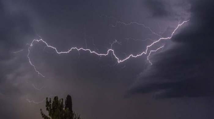 کراچی سمیت سندھ کے دیگر شہروں میں موسلا دھار بارشوں کی پیشگوئی