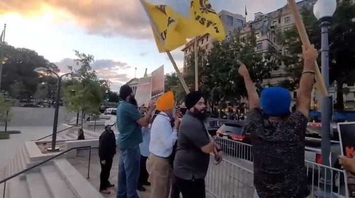 بھارتی وزیراعظم کی واشنگٹن آمد پرسکھوں کا ہوٹل کے باہر احتجاج