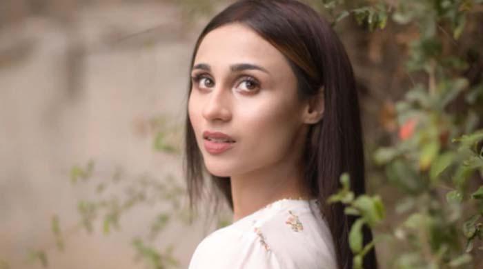 اداکارہ و ماڈل مشال خان کو  تیزاب حملے کی دھمکی