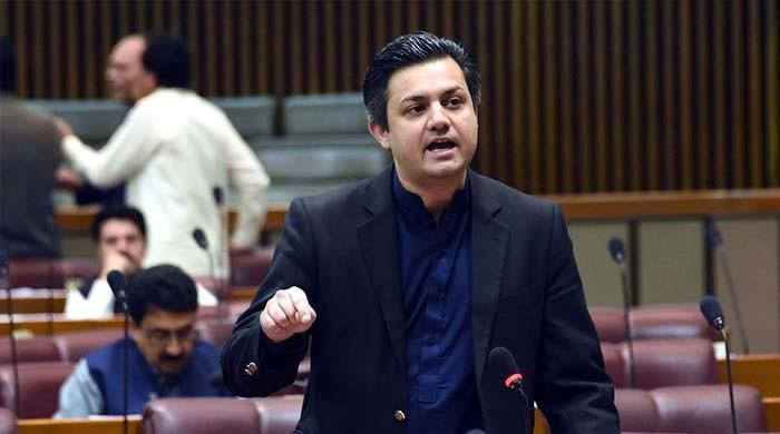 پاکستان میں پیٹرول کی قیمت دنیا میں بہت کم ہے: حماد اظہر
