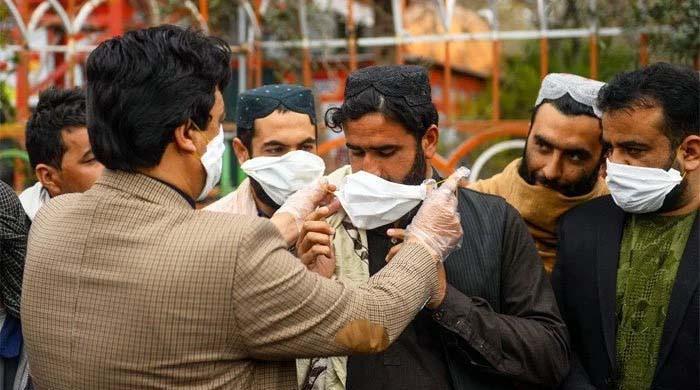پاکستان میں کورونا کیسز میں واضح کمی، مثبت کیسز کی شرح 3 فیصد پر آگئی
