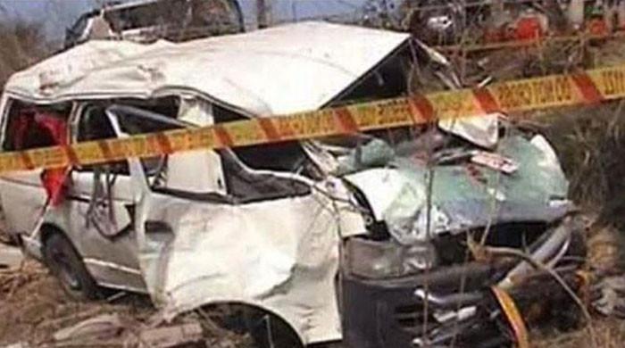 گلگت میں مسافروں سے بھری وین نالے میں جاگری، 5 افراد جاں بحق