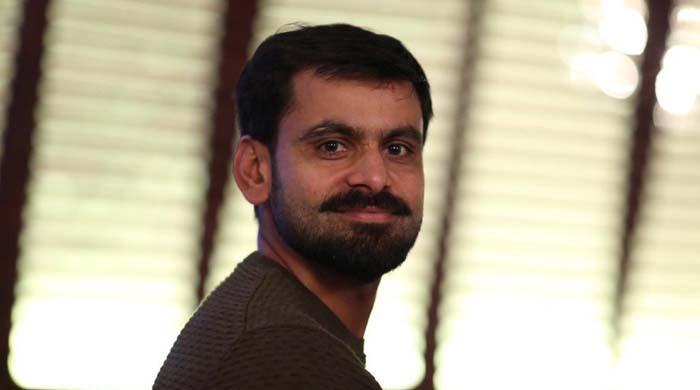 قومی کرکٹر محمد حفیظ ڈینگی بخار میں مبتلا