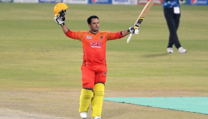 سندھ نے شرجیل خان کی 56 گیندوں پر 101 رنز کی جارحانہ اننگز کی بدولت مقررہ 20 اوورز میں7 وکٹوں کے نقصان پر 196 رنزکا پہاڑ جیسا مجموعہ بنایا —فوٹو: پی سی بی