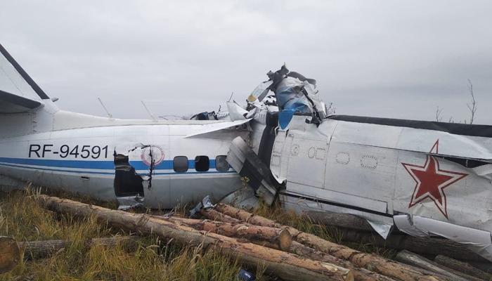 حادثے کے وقت طیارے میں 2 پائلٹ اور 20 اسکائی ڈائیورز موجود تھے: روسی میڈیا. فوٹو: سوشل میڈیا