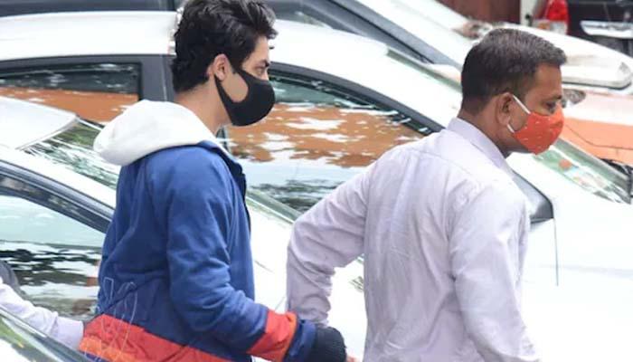 آریان کے ہمراہ گرفتار ان کے دوست ارباز مرچنٹ اور دیگر افراد نے بھی جیل کا کھانا کھانے سے منع کردیا__فوٹو فائل