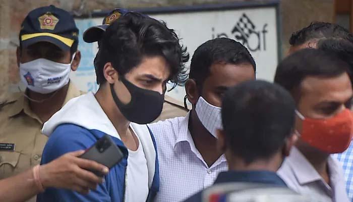 متعدد شوبز شخصیات کے بچوں نے شاہ رخ کے بیٹے آریان کے واقعے کے بعد بھارت چھوڑنے کا فیصلہ کرلیا ہے: کے آر کے کا ٹوئٹر پر بیان/ فائل فوٹو
