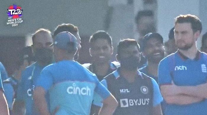 پاکستان اور ویسٹ انڈیز کے وارم اپ میچ میں بھارتی ٹیم گراؤنڈ میں کیا کررہی تھی؟