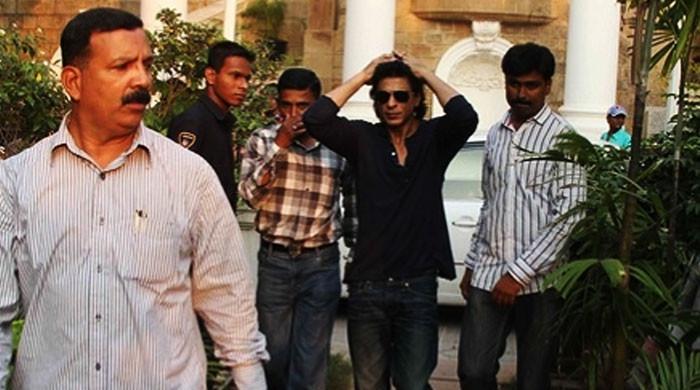 این سی بی کی ٹیم شاہ رخ خان کے گھر کیا چیز لینے گئی تھی؟