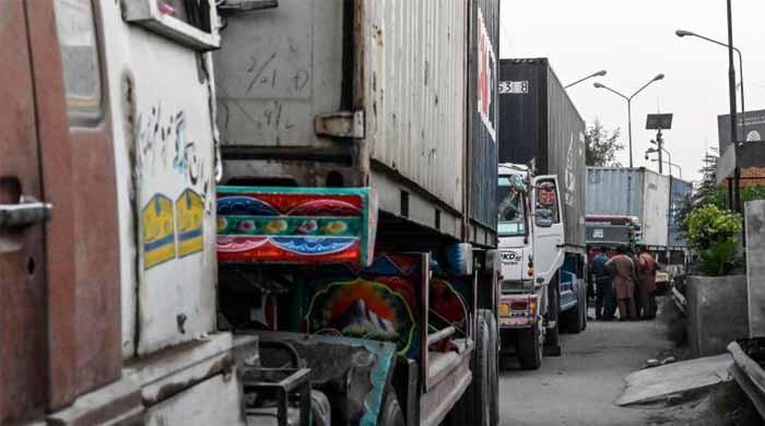 کالعدم جماعت کا احتجاج: لاہور اور راولپنڈی میں سڑکیں بند، شہری پریشان