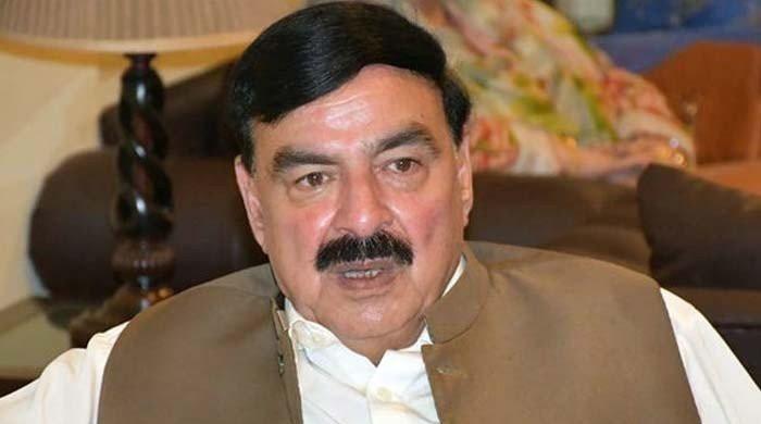 کالعدم تنظیم سے مذاکرات کیلئے شیخ رشید لاہور پہنچ گئے