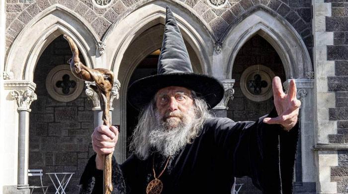 نیوزی لینڈ نے سرکاری جادوگر کو نوکری سے نکال دیا